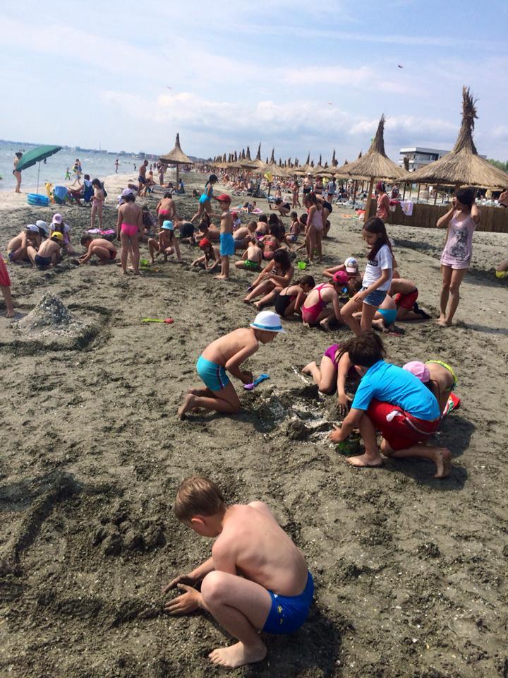 2015_camp_lupisori_in_soare_oras_nisip1